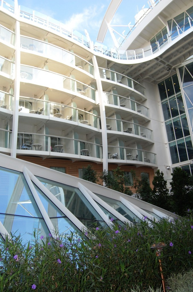 Oasis of the Seas en fotos: vista de la cabina exterior superior