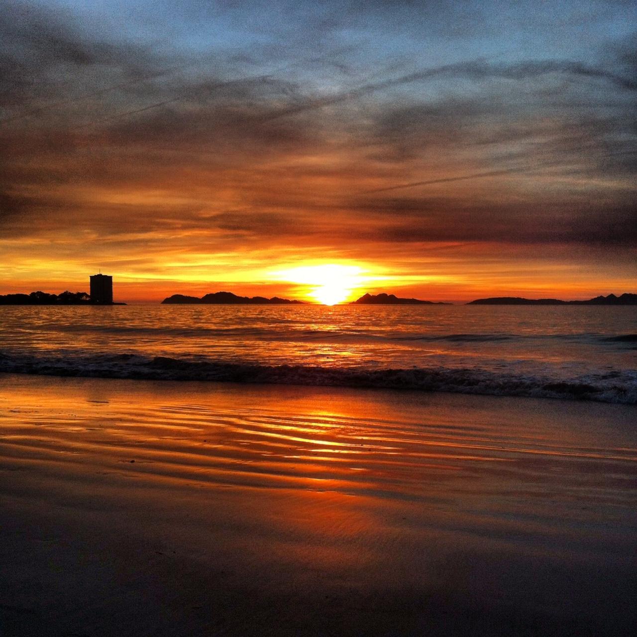 Puesta de sol. Vigo. Foto Alberto Ribas