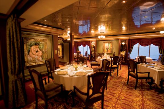 Vista del Restaurante Le Bistro de Norwegian Cruise Line. Foto we