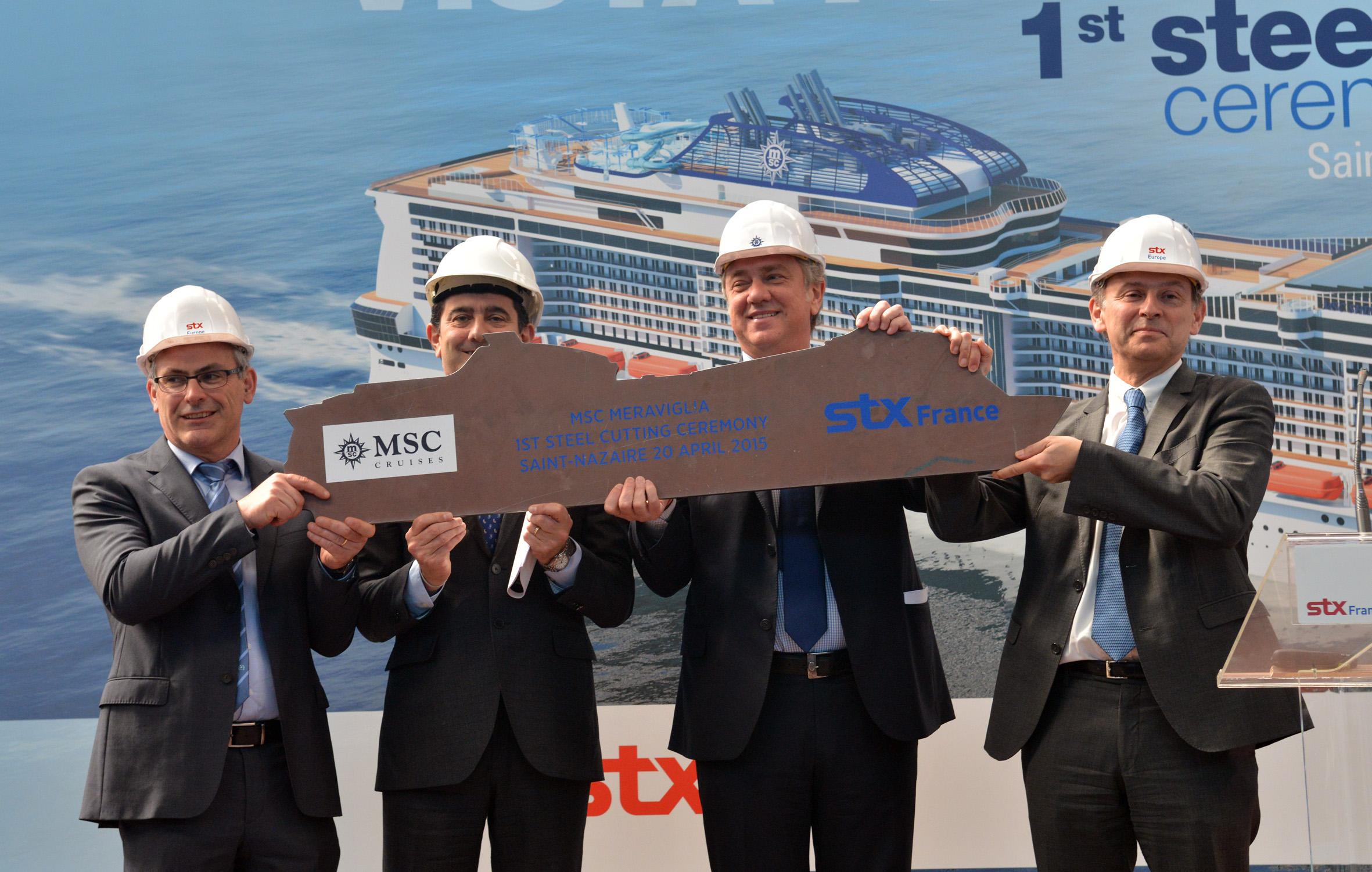 De izquierda a derecha: Jean-Yves Jaouen, Senior Vice President Operations STX France/ Gianni Onorato,  Consejero Delegado de MSC Cruceros/ Pierfrancesco Vago,  Presidente Ejecutivo de  MSC Cruceros/ Laurent Castaing STX France General Manager
