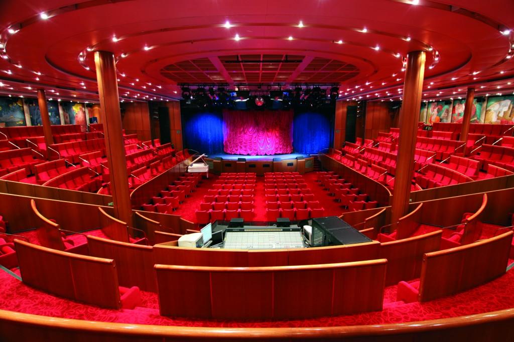 El Club de la Comedia actuará este verano e el teatro del Costa NeoClassica