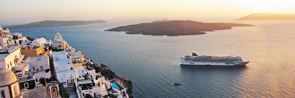 Vistas de crucero por las Islas Griegas o crucero por el Mediterráneo
