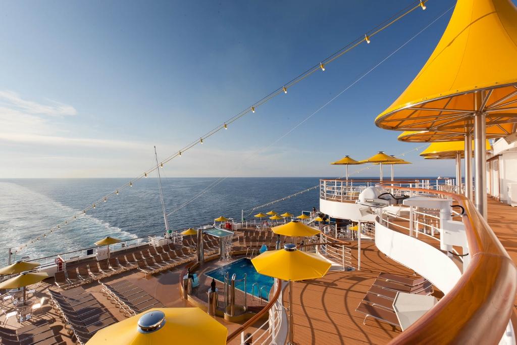 Black Friday con Costa Cruceros. Costa Favolosa