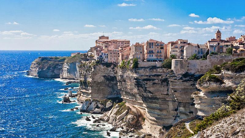 Consigue 300 euros de crédito a bordo con tu reserva de crucero con MSC Cruceros en cabina balcón y Experiencia Aurea