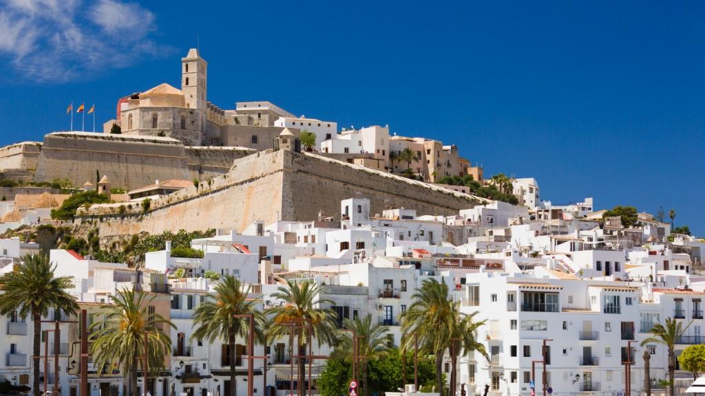 Crucero por el Mediterráneo desde Tarragona en junio: embárcate en el Costa NeoRiviera