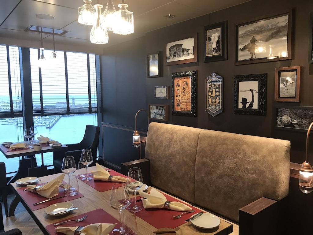 Los enamorados de las carnes a la brasa tienen su restaurante ideal a bordo del MSC Seaside, el Butcher's Cut.