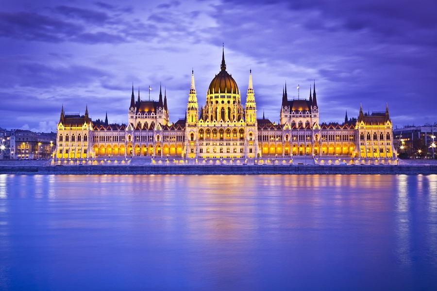 Crucero fluvial por el Rhin o por el Danubio en julio o agosto con Panavisión Tours y con vuelos incluidos