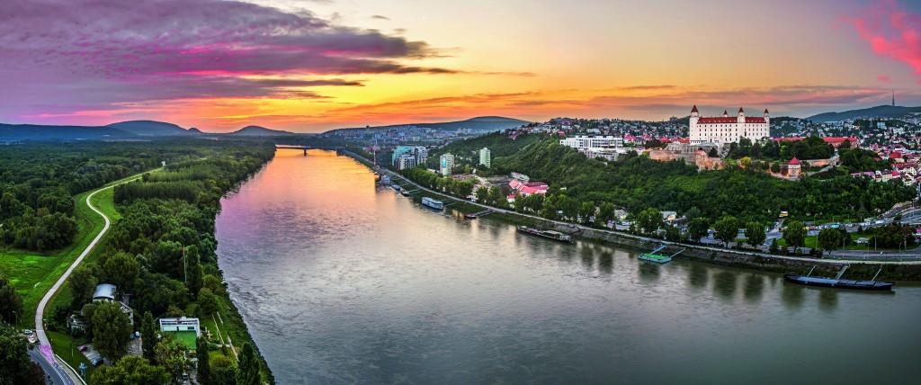 Reserva tu experiencia AmaWaterways y disfruta de un crucero fluvial por el Danubio o el Rhin
