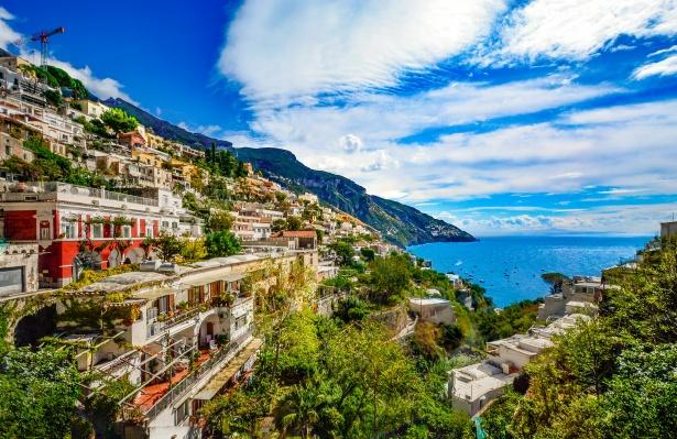 amalfi-coast-1492018114yQ5-2