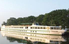 barco-ms-victor-hugo